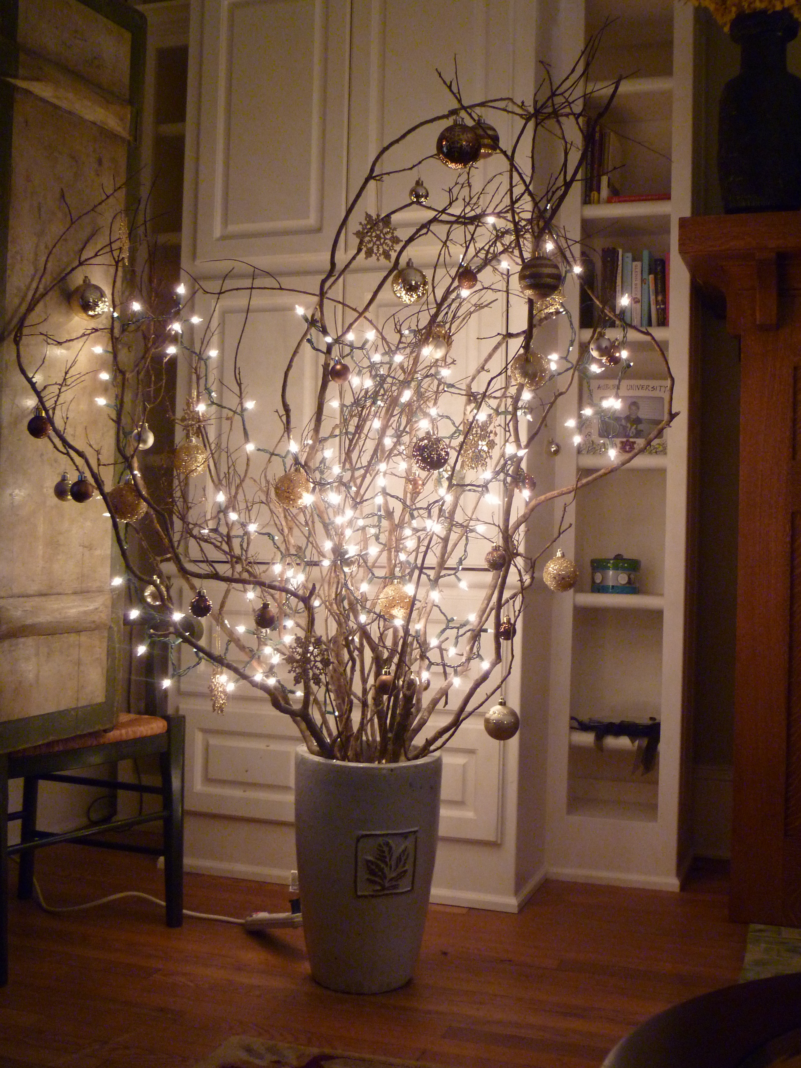 Classy outdoor christmas decorations ideas - Alternative Christmas Tree